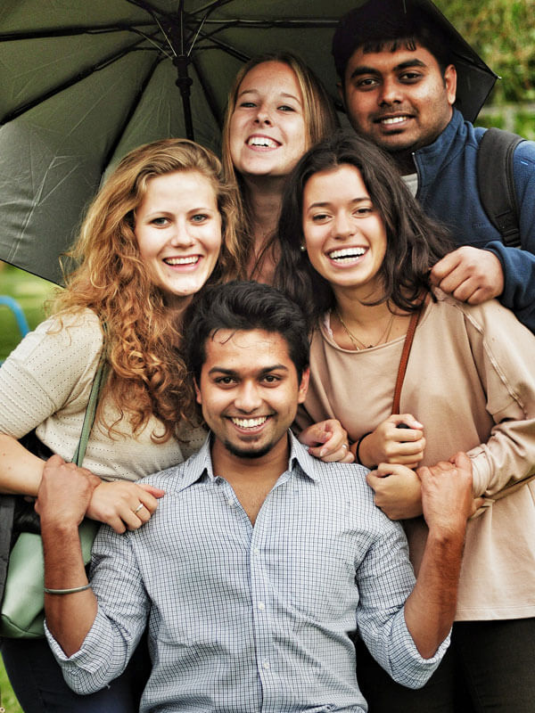 JugendBildungsmesse - Au-Pair Programm Freunde