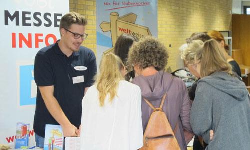 JugendBildungsmesse - Messe Veranstalter weltweiser Beratung Info-Stand