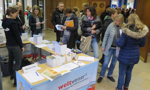 JugendBildungsmesse Veranstalter weltweiser Info-Stand