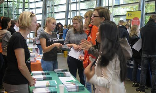 weltweiser • JugendBildungsmesse • JuBi Hamburg • Schüleraustausch
