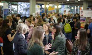 JugendBildungsmesse JuBi Osnabrück: Stipendien zum Auslandsjahr